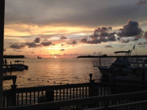 The sunset crowd we saw at the Hyatt included boaters, couples holding hands and families.