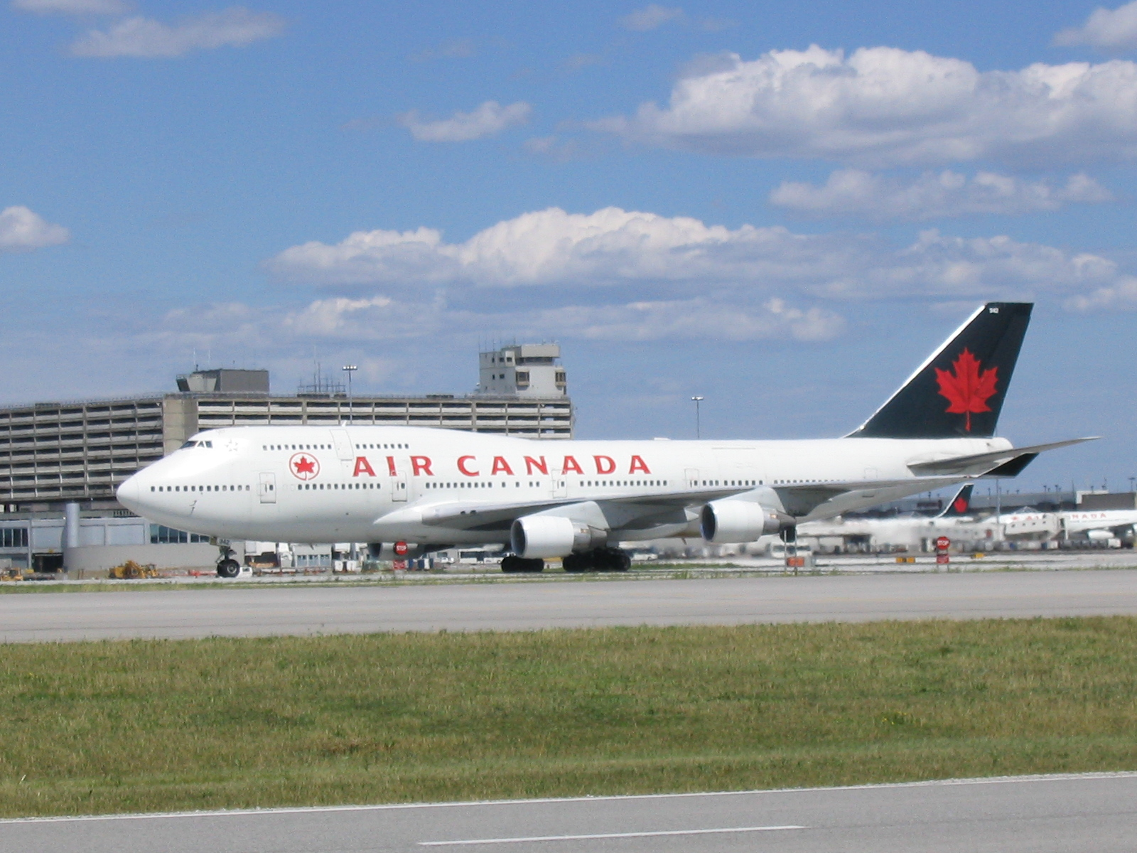 Airline Travel To Canada
