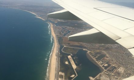 Airplane Review: WestJet Boeing 737 (YVR-SNA)