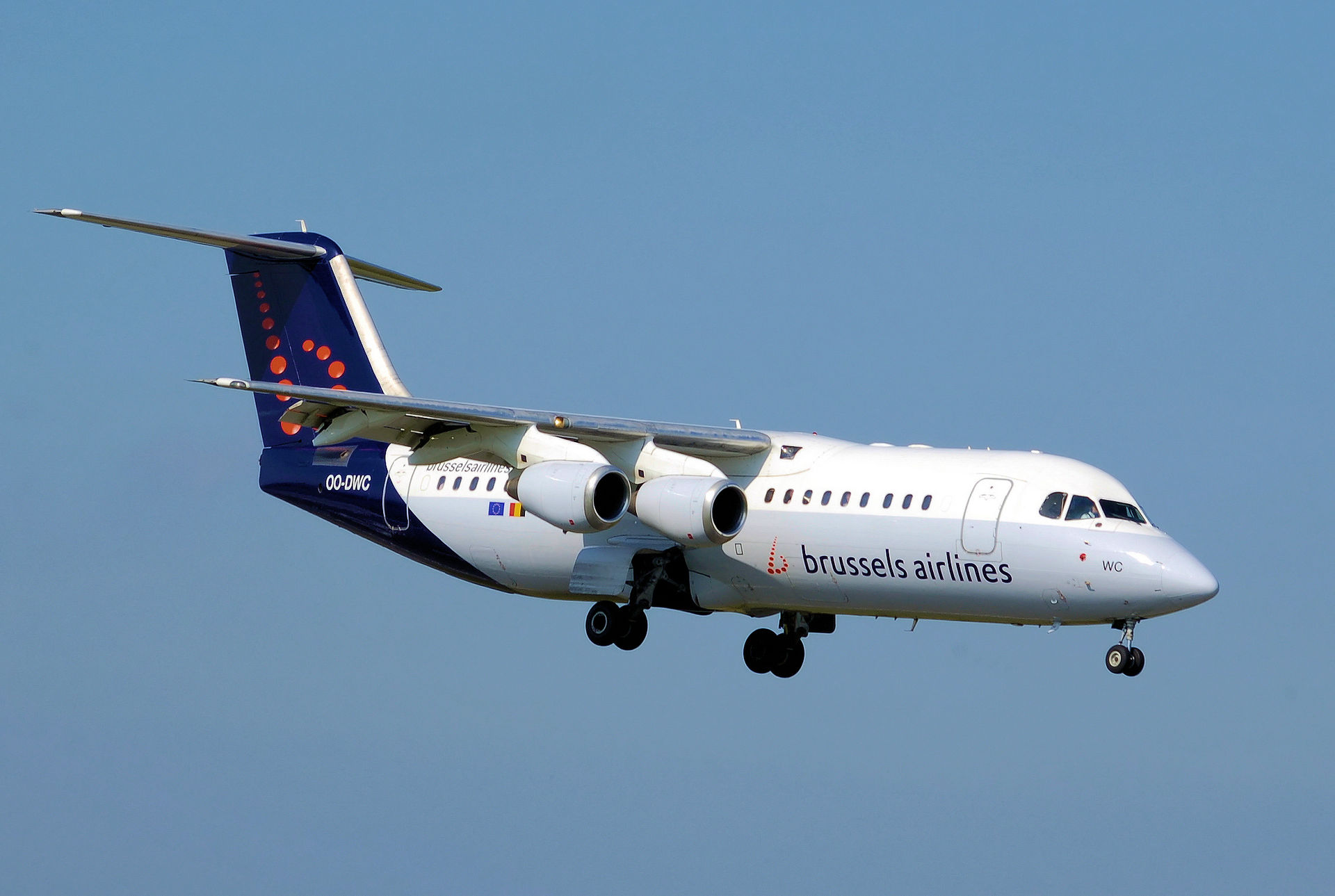Brussels Airlines Avro 100