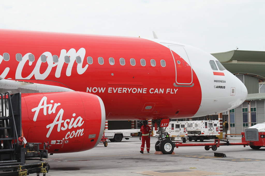 Air Asia Trolls Garuda Indonesia, Why You Should Visit Newfoundland, and DFW is the Best U.S. Airport?!?
