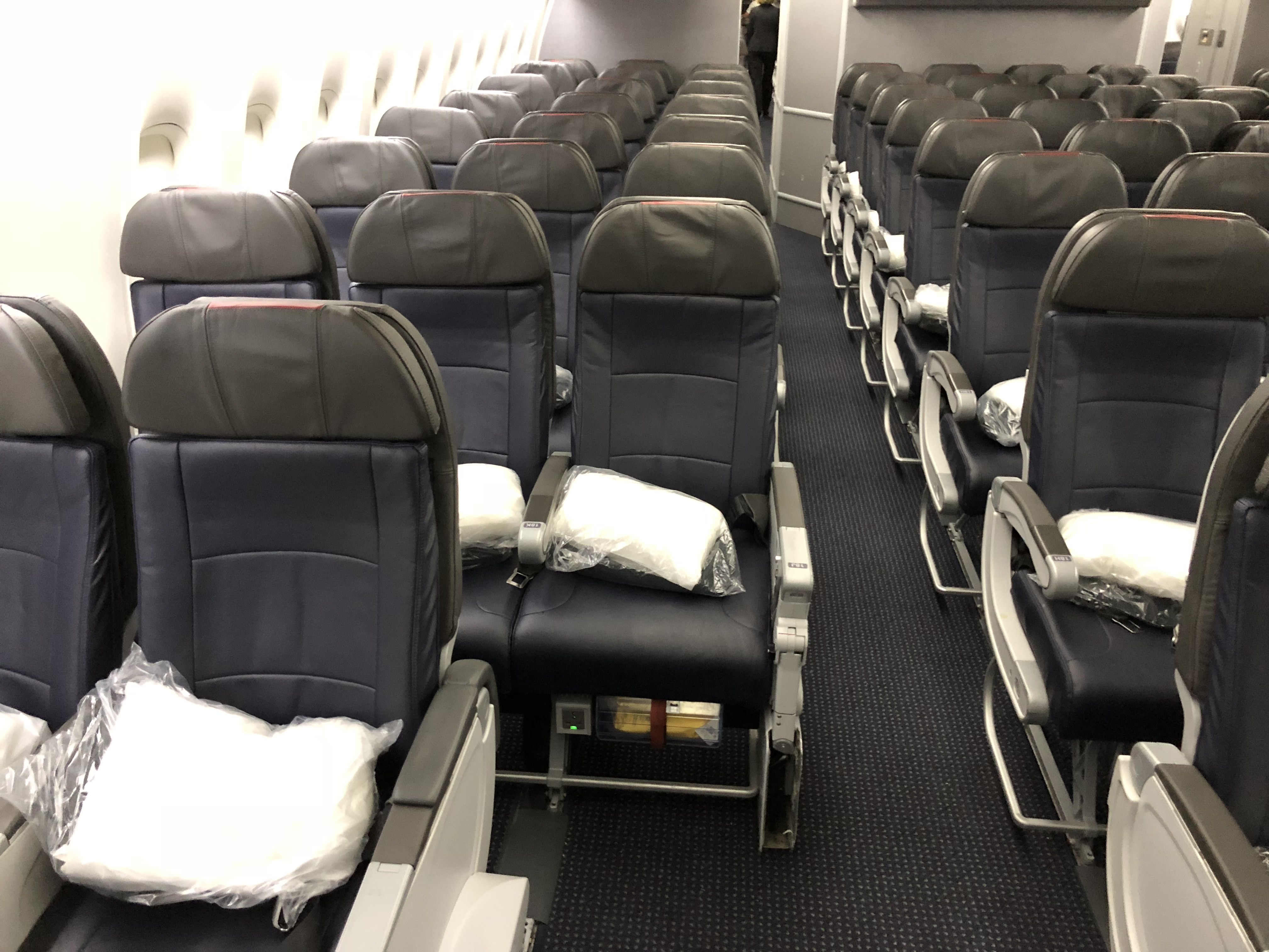 American Airlines Economy Cabin 777