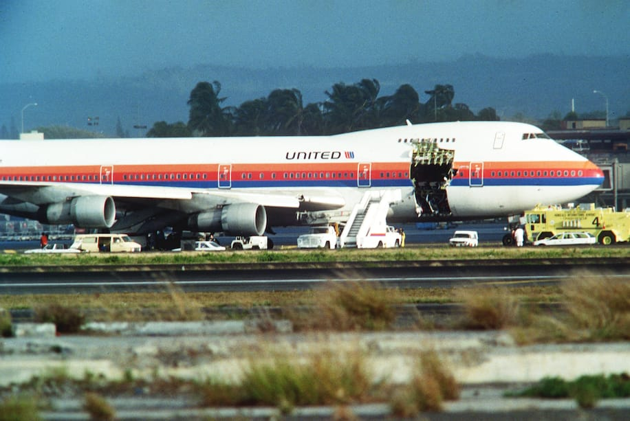 Explosive Decompression! A survivor's account of United Airlines 811